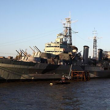 HMS Belfast on the Thames  by aodhain
