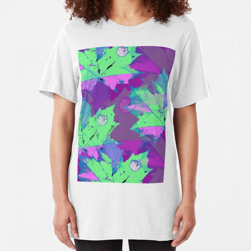 Lila zauber Blätter Slim Fit T-Shirt