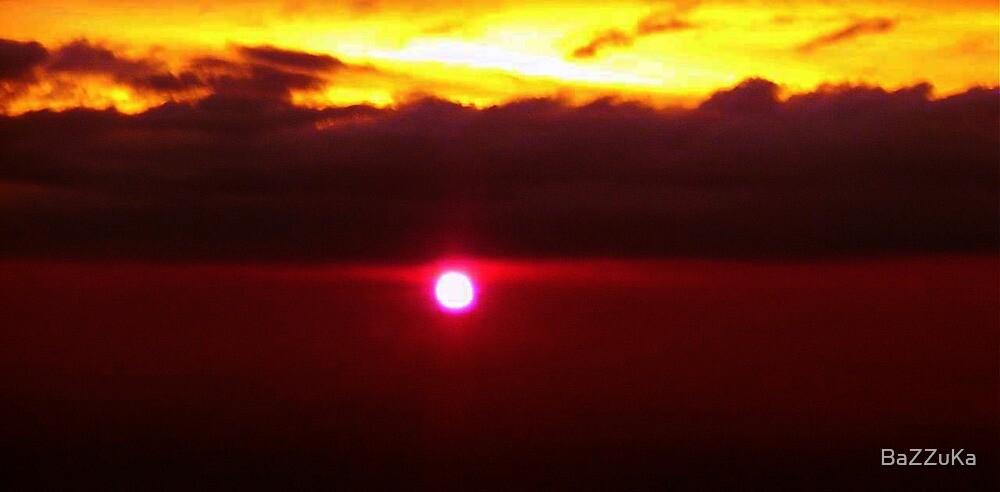 Sunset at 37000 feet by BaZZuKa