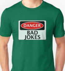 DANGER BAD JOKES, FAKE FUNNY SAFETY SIGN SIGNAGE Slim Fit T-Shirt