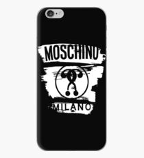 Moschino Milano Weißes Logo iPhone-Hülle & Cover