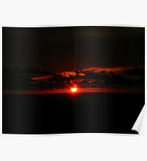 The Sun goes down Poster