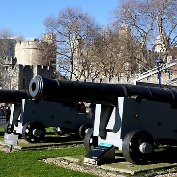 Big Guns at the Tower of London  by aodhain