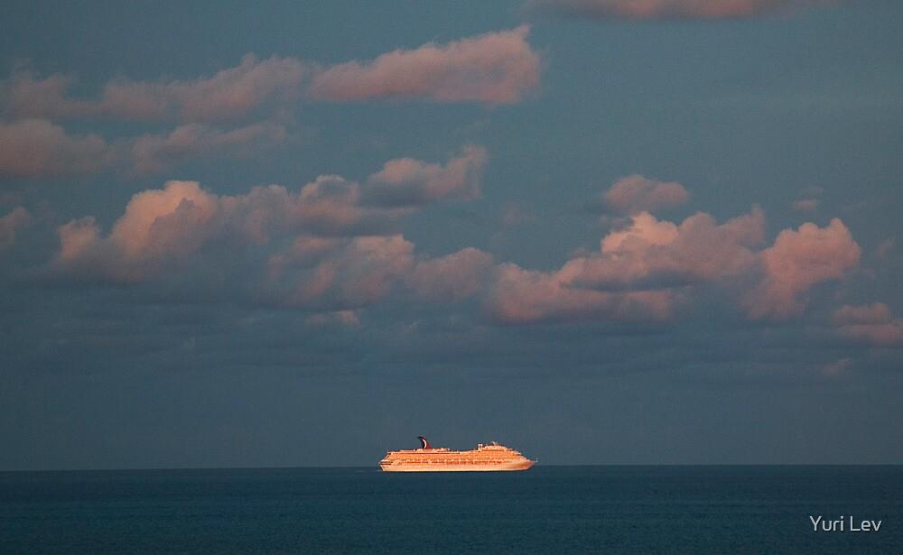 Cruise by Yuri Lev