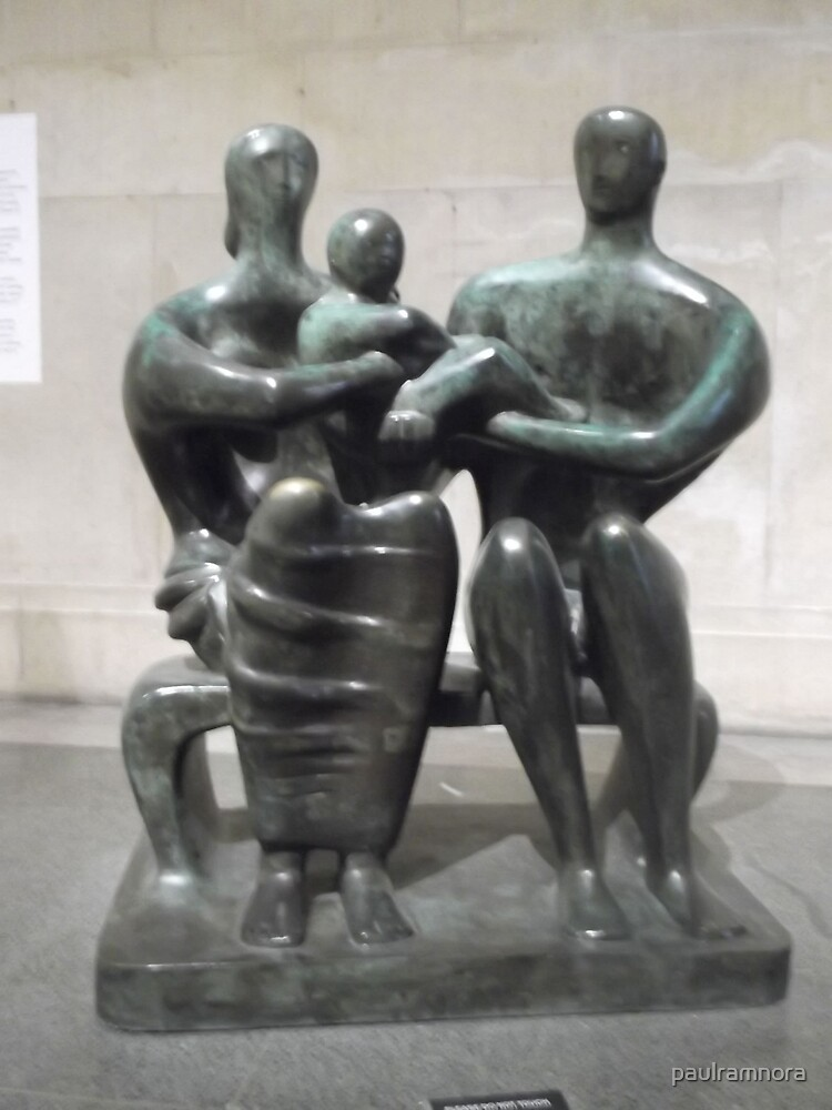 Henry Moore Sculpture -(230512)- digital photo by paulramnora