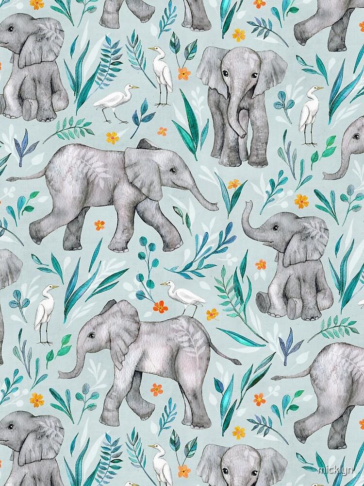 Baby-Elefanten und -reiher im Aquarell - Eierschalenblau von micklyn