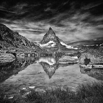 Matterhorn by Apachitee