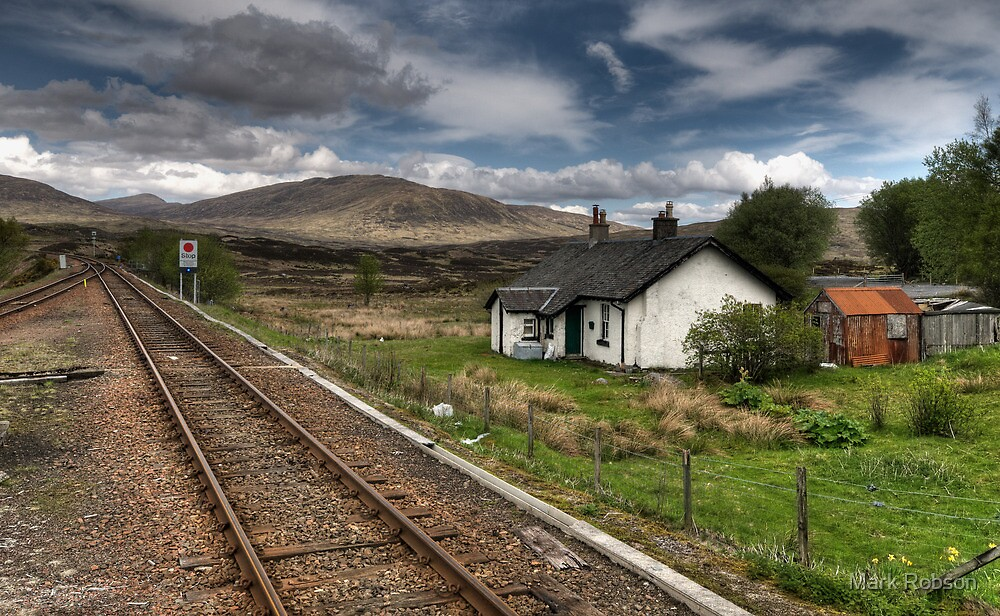 Rannoch Station by Mark Robson