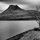 Stac Pollaidh across Loch Lurgainn by derekbeattie