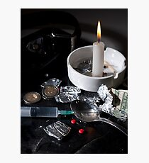 Drug abuse concept, Heroin shoot up tools and drugs and money Photographic Print