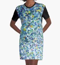 Leo Dotted Pillow Graphic T-Shirt Dress