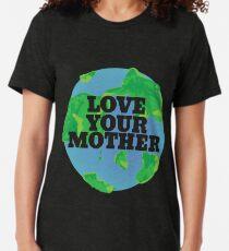 Camiseta de tejido mixto Ame su día de la tierra de MADRE