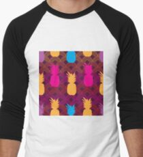 Pineapple Sunset-Fruit Delight. Seamless Repeat Pattern Background in Pink,Yellow,Purple,Blue and Orange. Men's Baseball ¾ T-Shirt
