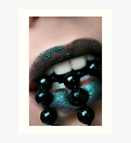 Spitting beads Art Print