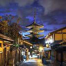 Kyoto Gion Hokanji Temple by aaronchoi