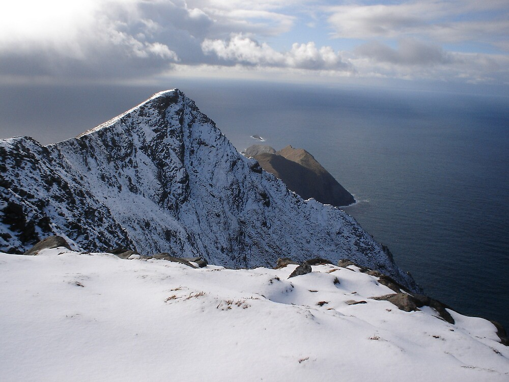 Snow on Achill Island by amuigh-anseo