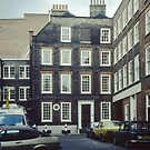 Dr Johnson's home Gough St London England 19840922 0003M  by Fred Mitchell