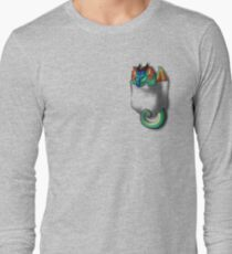 Flügel des Feuers - Pocket Glory Dragon Langarmshirt