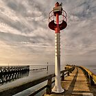 The light on the jetty by cclaude