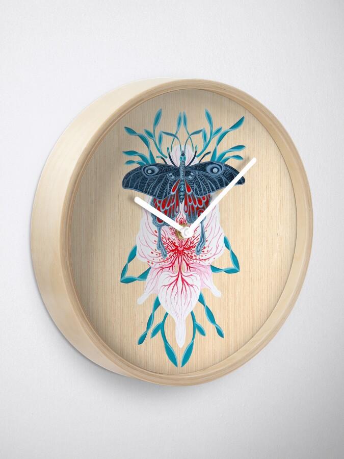 Vista alternativa de Reloj Pintura de tatuaje de orquídea mariposa en madera
