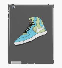 Blue sky Green grass  iPad Case/Skin