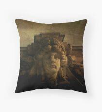 dama Throw Pillow