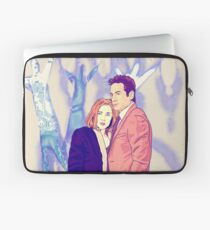 X files believe in ghosts by Mimie ( more 70 designs XFiles in my shop) Laptop Sleeve