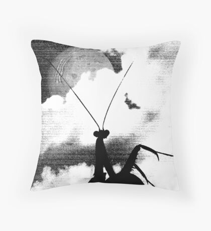 Albino Mantis in shadow Throw Pillow