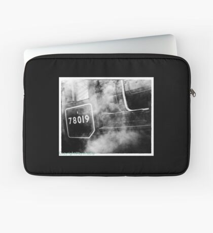78019 gets steamed up Laptop Sleeve