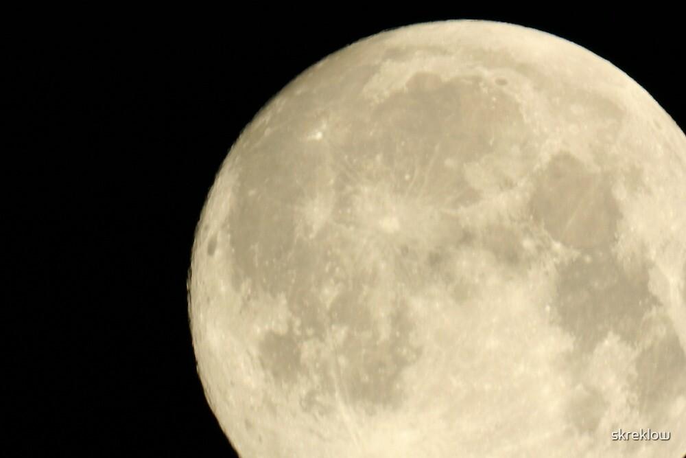Full Moon! by skreklow