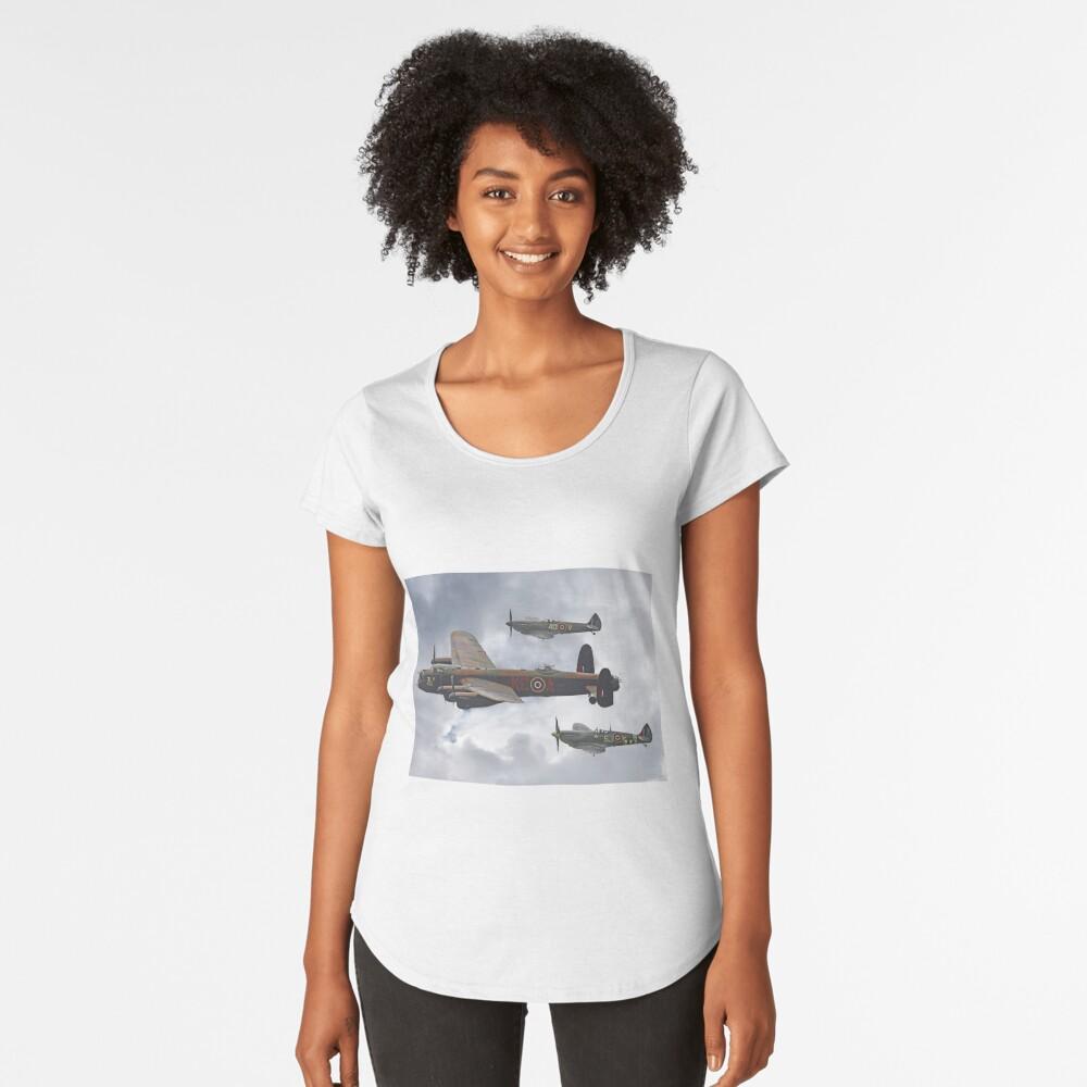 El vuelo conmemorativo de la batalla de Gran Bretaña - Shoreham 2014 Camiseta premium de cuello ancho