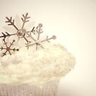 Snowflake Cupcake by Susanne Correa
