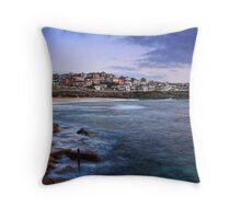 Early Morning at Bronte Beach Throw Pillow