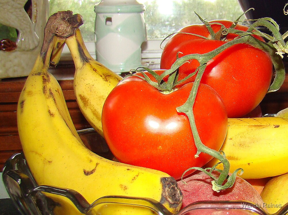 Fruit And Vegetables by Wanda Raines
