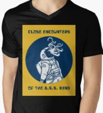 Close encounters Men's V-Neck T-Shirt