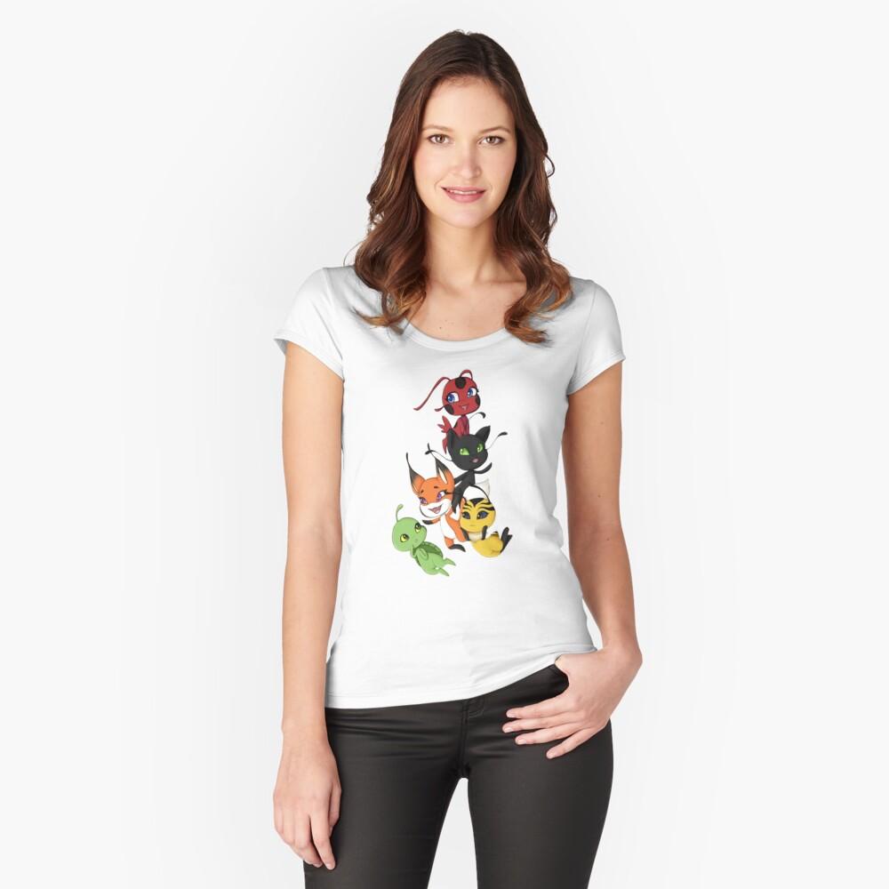 Kwamis Tailliertes Rundhals-Shirt