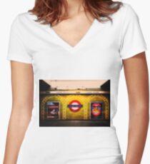 Sloane Square Tube Station Women's Fitted V-Neck T-Shirt