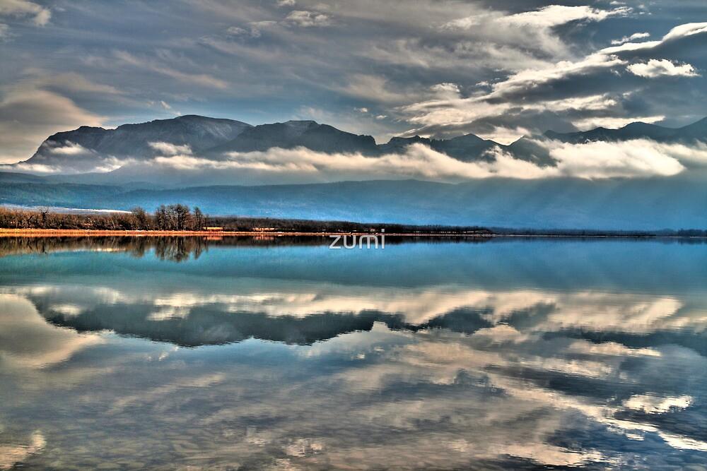 Lake reflection by zumi