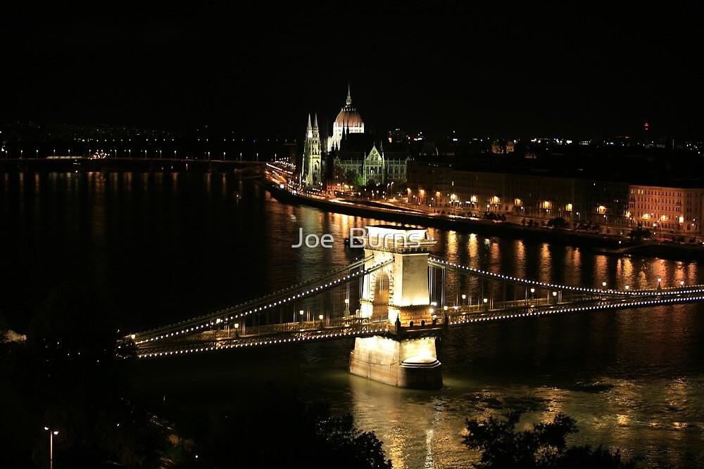 Budapest by night by Joe  Burns