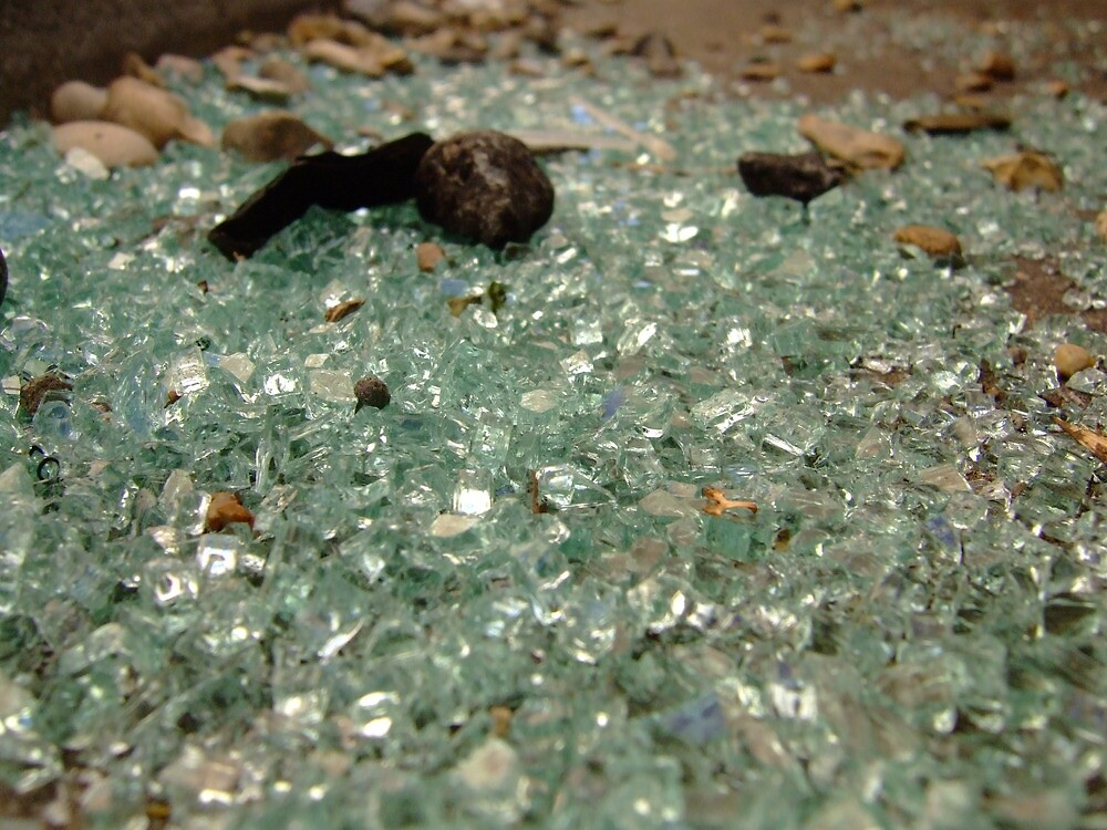 broken glass by kenkrash