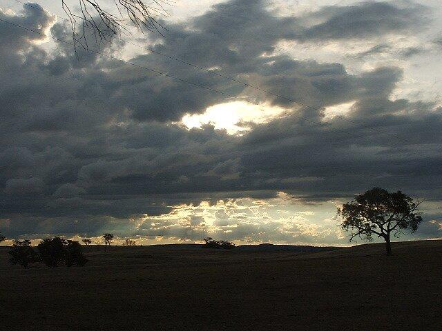 Boomey Hills sunset.e by shaldema1