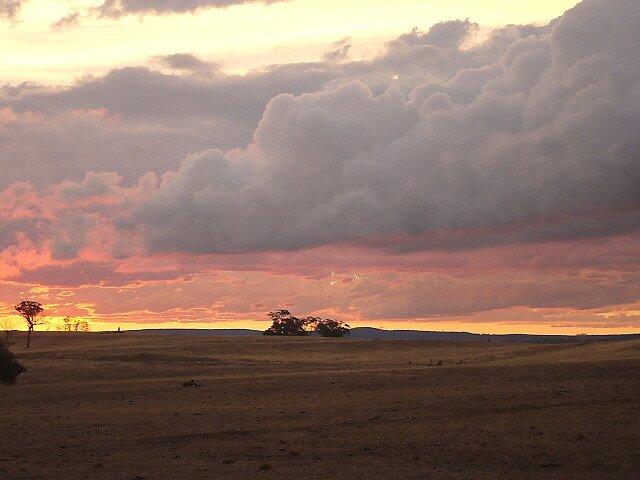 Boomey Hills sunset.o by shaldema1