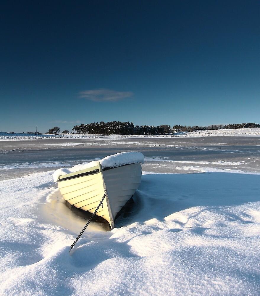 frozen boat by NestorM