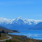 Lake Pukaki with Mt Cook(Aroaki) in the background by Traveldreams
