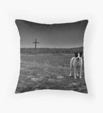 It's Not That Hard To Die Throw Pillow