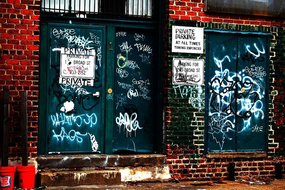 Alley Graffiti by loserboy
