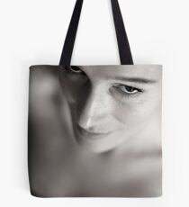 Into her eyes Tote Bag