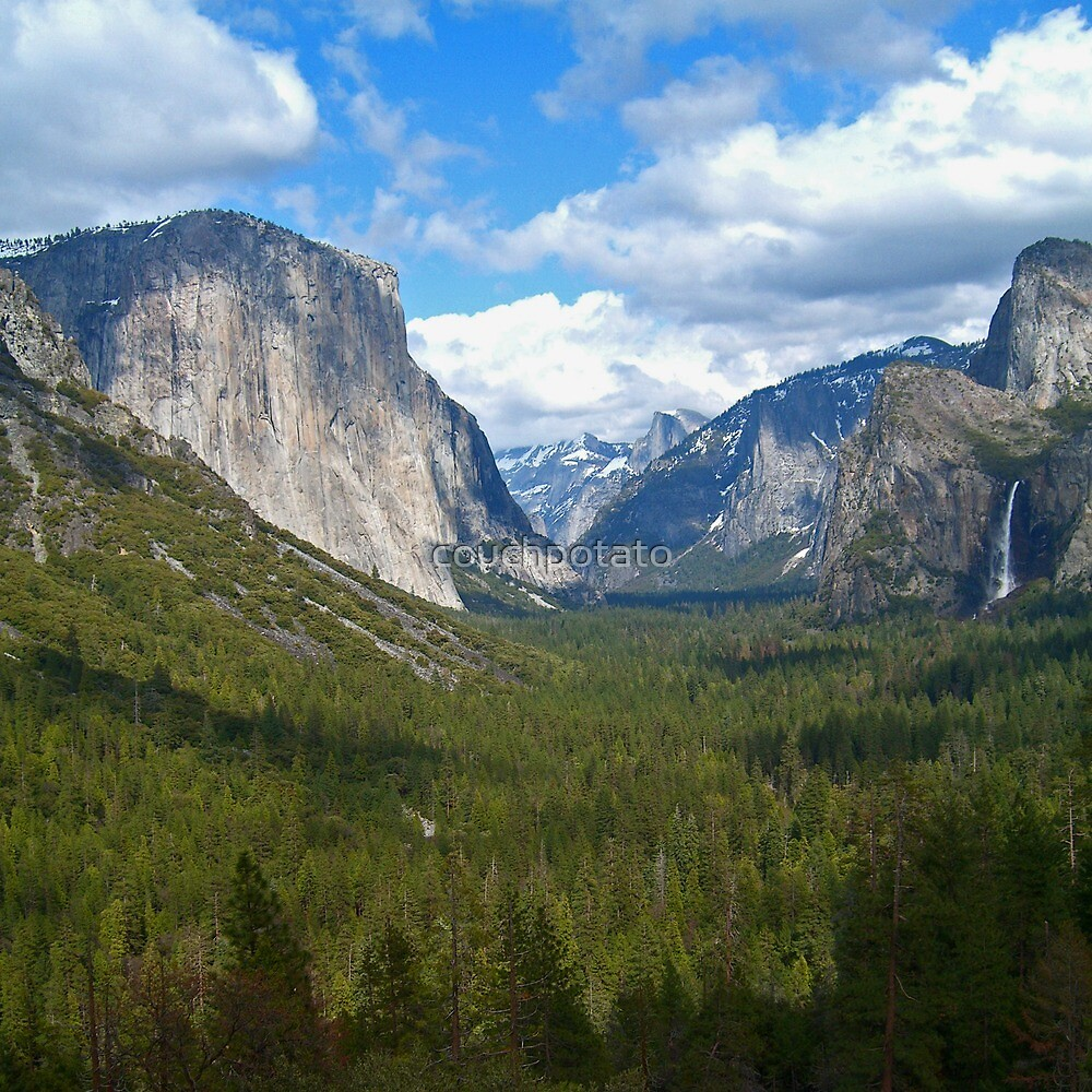 Tunnel View at Yosemite by couchpotato