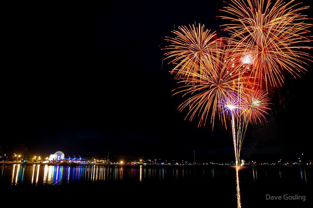 New years eve Gosford 2010 by Dave  Gosling Photography