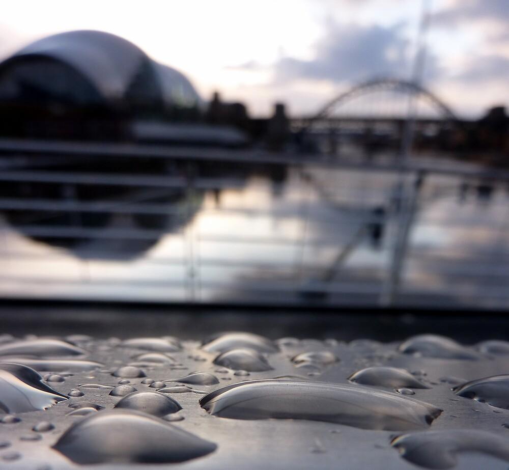 Drop on the Tyne by H3DGO